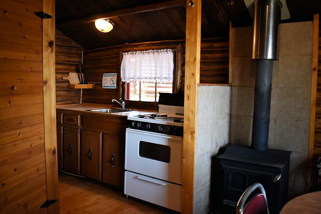 cabin-03-04