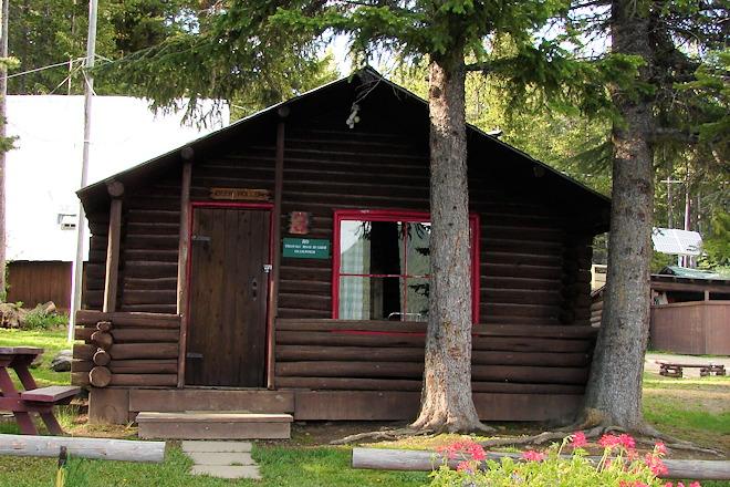 cabin-03-08