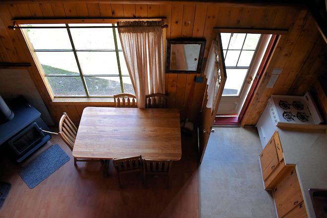 cabin-04-03