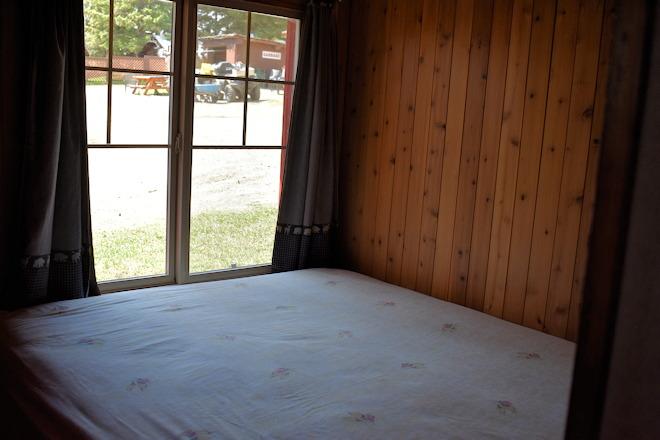 cabin-06-06