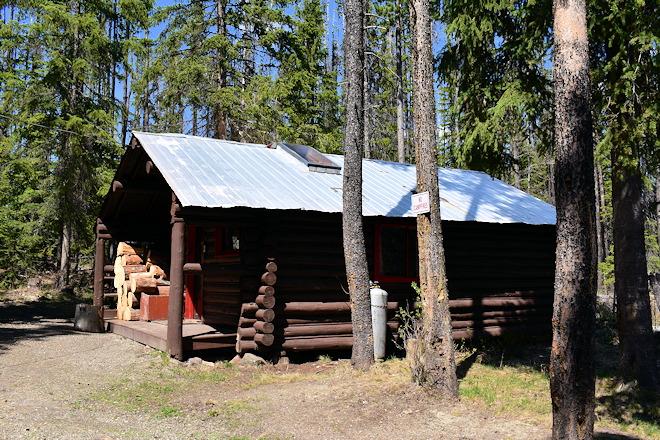 cabin-08-02
