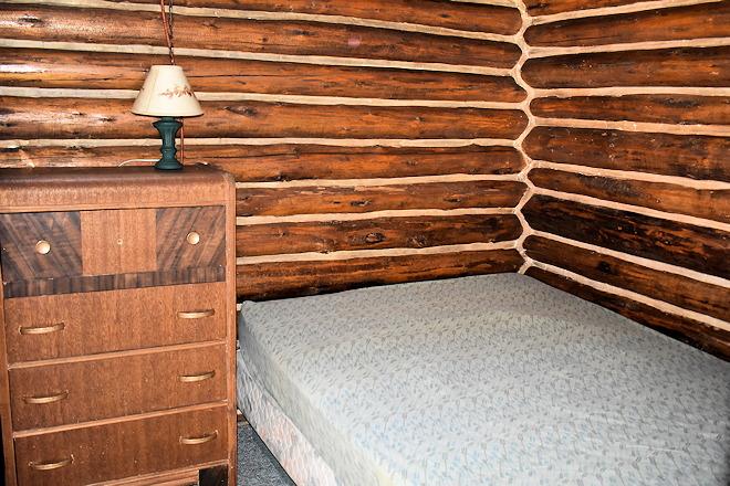 cabin-08-08