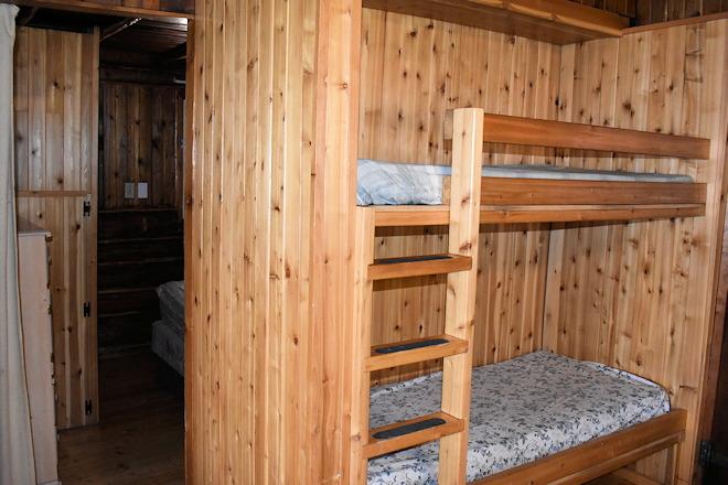 cabin-10-09