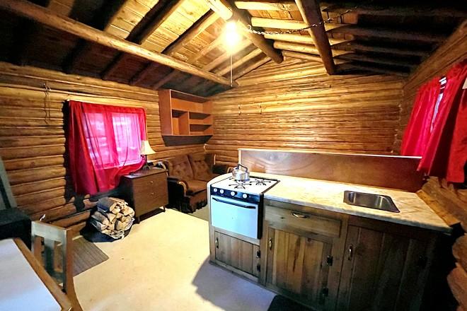 Cabin 9 Kitchen Postill Lake Lodge