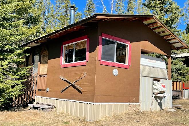 Retro Cabin 1 Postill Lake Lodge